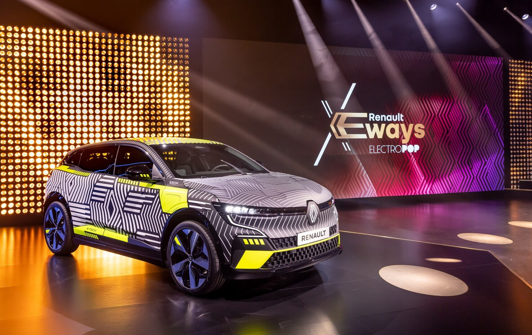Предсерийная версия Renault MeganeE